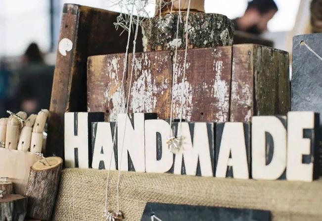 Все о заработке на дому своими руками. Сколько можно заработать на продаже вещей ручной работы?