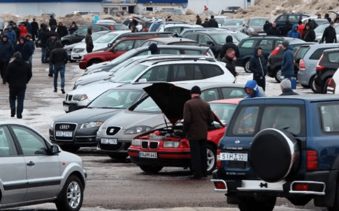 Уже в мае россияне смогут покупать и продавать поддержанные авто через «Госуслуги»